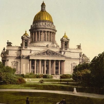 Auguste Montferrand, katedrála svatého Izáka, Petrohrad, 1818–1858. Zdroj: Pohlednice, autor neuveden. (Obr. 3)