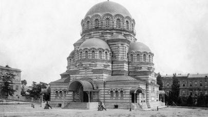 David I. Grimm, katedrála sv. Alexandra Něvského, Tbilisi, 1871–1897. Zdroj: Wikimedia Commons. (Obr. 8)