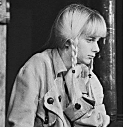 Bára Štěpánová v divadelní hře Ešalon, 1977.