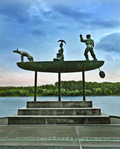 Mytická loď, 2010, bronz, železo, beton, Bratislava.