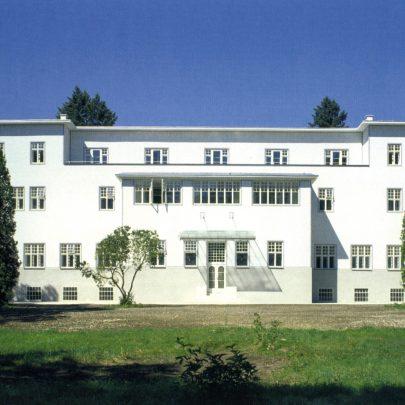 Sanatorium Purkersdorf: současný stav po rekonstrukci (pohled ze zahrady).
