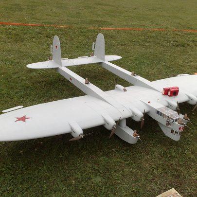 Kalinin K-7 jako současný RC model. Zdroj: Wikimedia Commons.