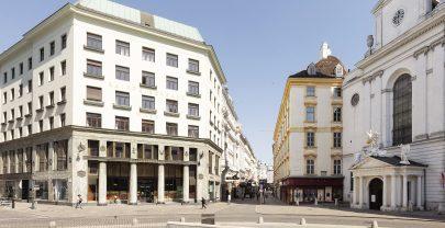 Adolf Loos: Obchodní a obytný dům Goldman & Salatsch, tzv. Looshaus, dnes Raiffensenbank, Michaelerplatz, Vídeň. Foto: Lisa Rastl, Wien Museum, výřez. (obr. 27)