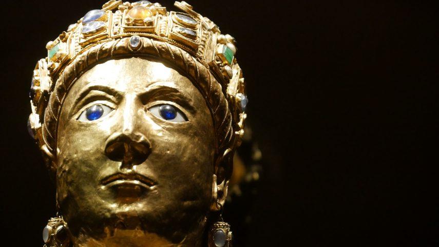 Tvář sv. Fides – znovupoužitá císařská maska, 4./9. století, Conques-en-Rouergue. Foto Katarína Kravčíková, CRSS. (obr. 1)