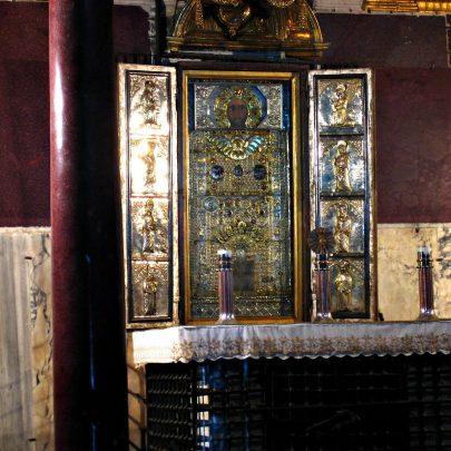 Zázračný obraz Krista, tzv. Acheropita, 13. století, Sancta Sanctorum, Řím. Foto Anthony Majanlahti, Wikimedia Commons. (obr. 2)