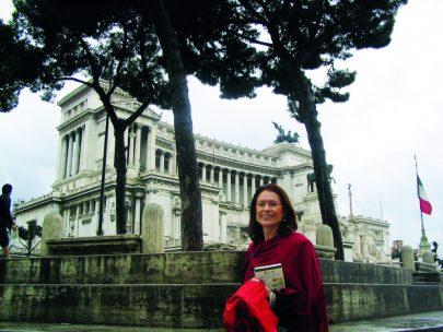 U Památníku Viktora Emmanuela II. v Římě.