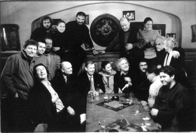 Poslední setkání Divadla Husa na provázku s Václavem Havlem jako prezidentem, které se odehrálo 8. ledna 2003 při jeho poslední prezidentské návštěvě Brna v hospodě Veselá Husa.